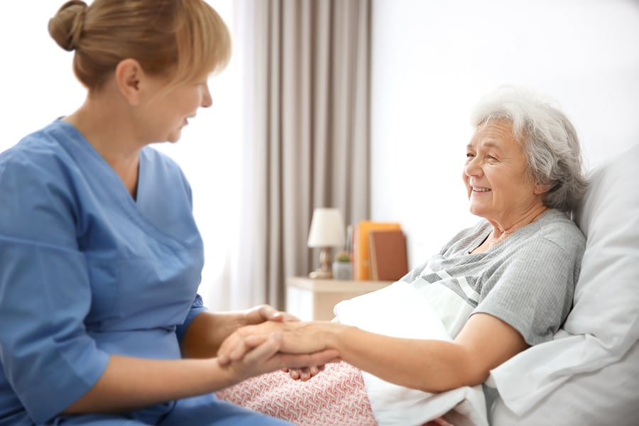 Hospice Care in Yardley PA: Five Tips for Keeping Your Family Member Comfortable at the End of Her Life